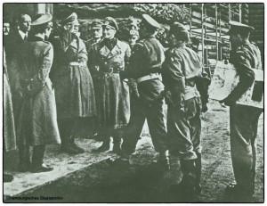 General Wolz übergibt General Spurling Hamburg